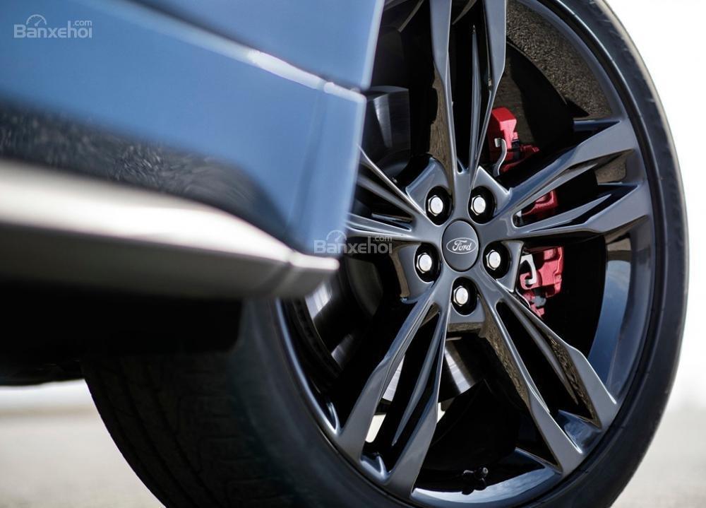 Đánh giá xe Ford Edge ST 2019: Mâm xe.