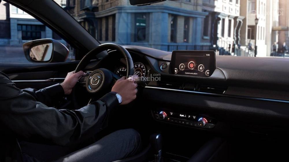 Khoang nội thấy Mazda 6 2018 nâng cấp