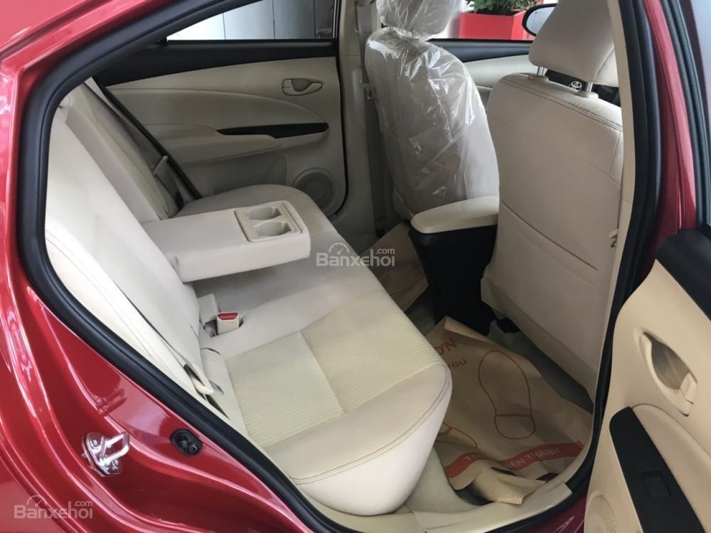 Bán Toyota Vios E-MT model 2018 có đủ màu, xe giao tận nơi bằng xe chuyên dùng KH ở tỉnh, vay 80% lãi suất 3.99%/năm-2