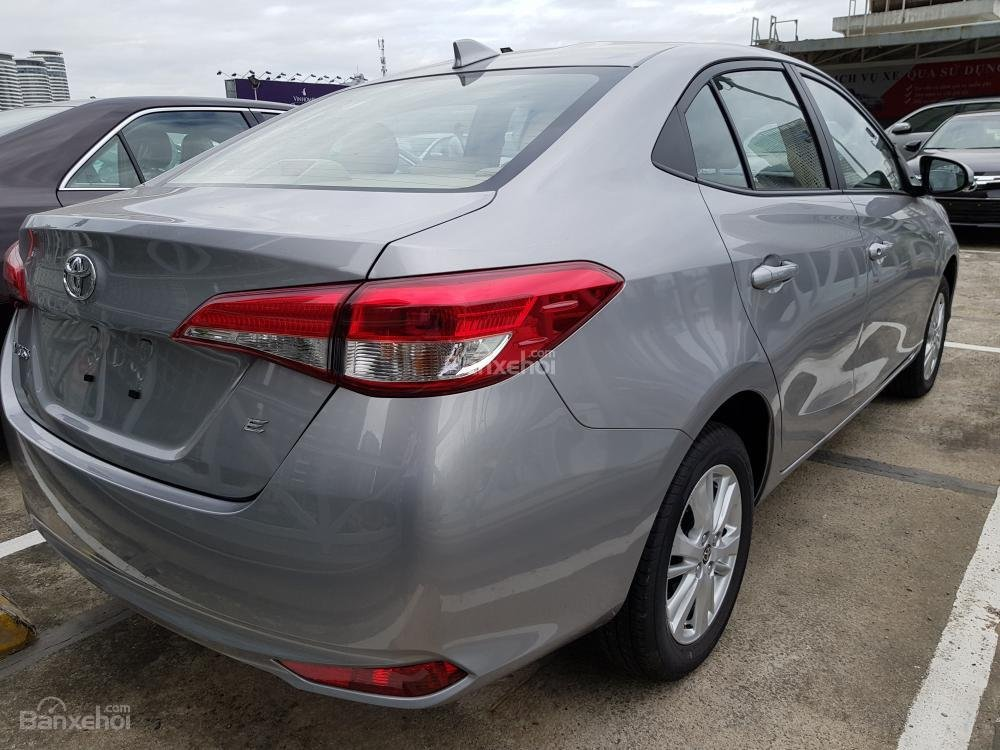 """Hot"" Toyota Vios 1.5E số sàn - Giá 496 triệu và DVD + Camera de, ghế da - Liên hệ 0902750051-4"