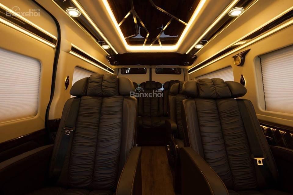 Bán xe Ford Transit Limousine 2019, phiên bản cơ bản, trung cấp, cao cấp và Vip, LH ngay: 093.543.7595 để được tư vấn-1