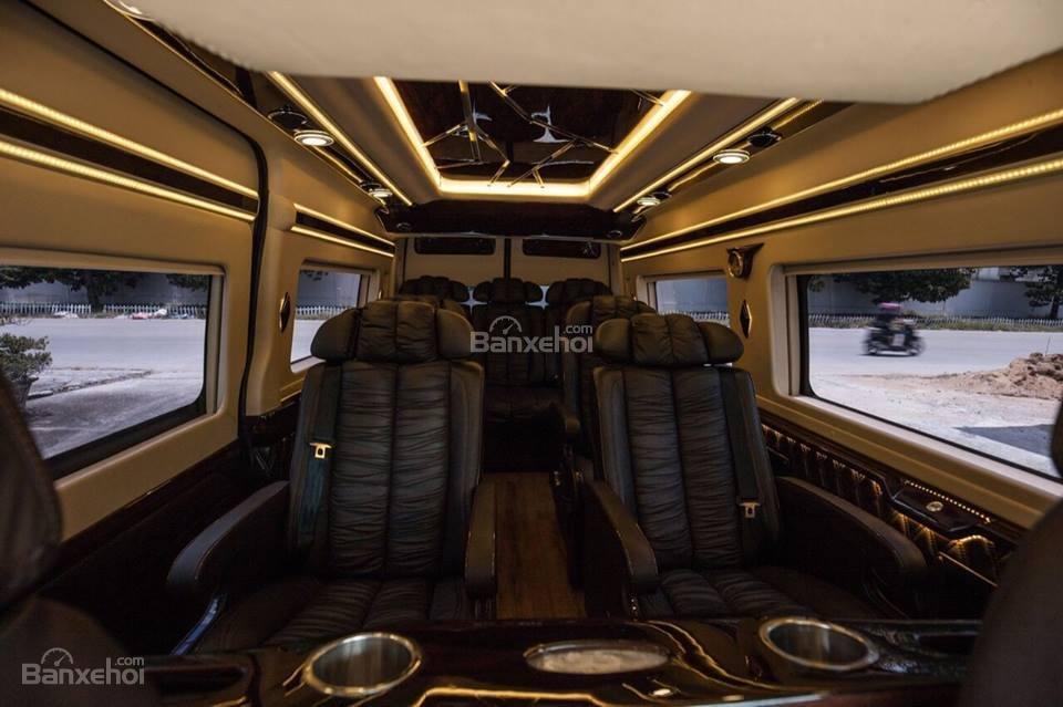 Bán xe Ford Transit Limousine 2019, phiên bản cơ bản, trung cấp, cao cấp và Vip, LH ngay: 093.543.7595 để được tư vấn-4