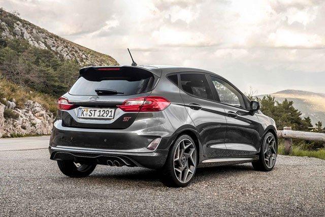 Top 10 mẫu xe hatchback dưới 27.000 USD đáng mua nhất hiện nay: Chevrolet Cruze đứng đầu 2.