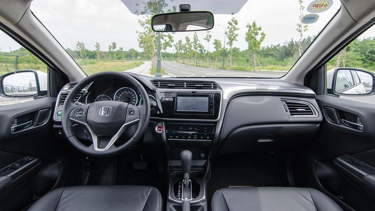 Honda City có cabin trẻ trung hơn Toyota Vios 2018 3