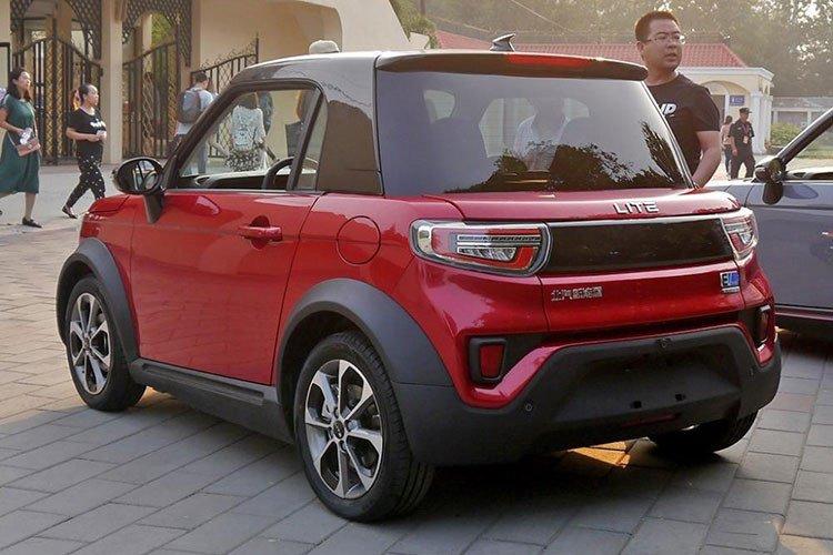 Xe ô tô điện Trung Quốc giá hơn 300 triệu đồng có gì hay? 4.