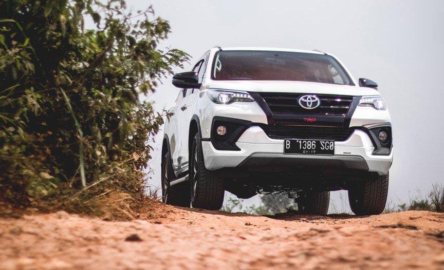 5 xe SUV 7 chỗ nhập tốt nhất cho khách Việt cuối năm 2018.