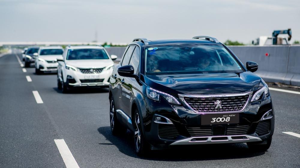 Khách mua Peugeot 5008 và 3008 All New hưởng ưu đãi đặc biệt trong tháng 8 1