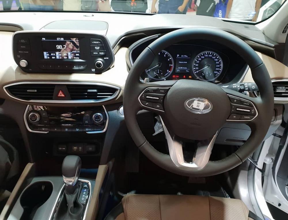 Vô lăng của Hyundai Santa Fe