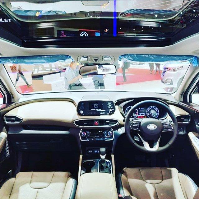 ghế ngồi của Hyundai Santa Fe 2019 1