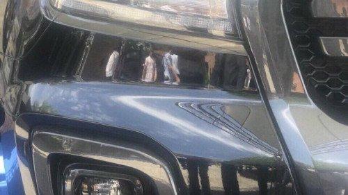 Bán xe Ford Ranger 2.0 AT sản xuất 2018, màu đen, giá chỉ 634 triệu (2)
