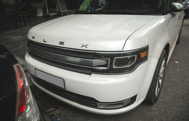 Xe gia đình Ford Flex hơn 2 tỷ đồng xuất hiện trên đường phố Việt 3.