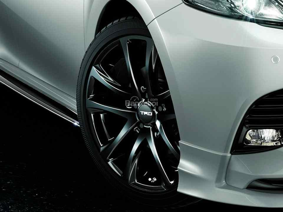 Vén màn bản độ Toyota Camry TRD thể thao và hầm hố hơn - 4
