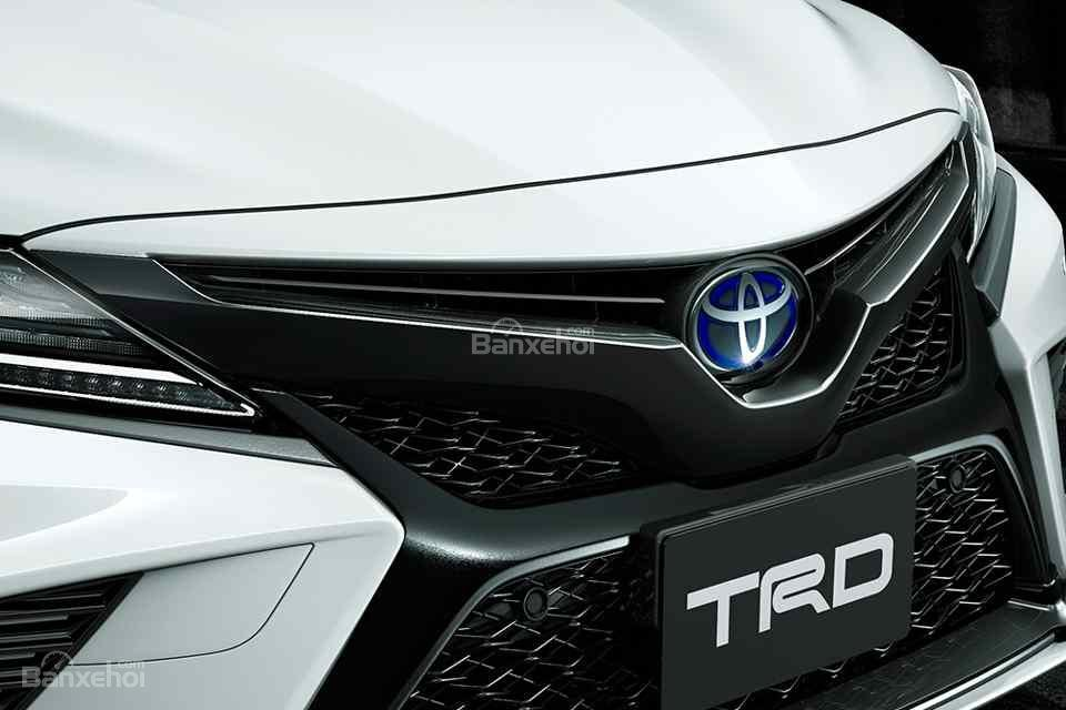 Vén màn bản độ Toyota Camry TRD thể thao và hầm hố hơn - 3