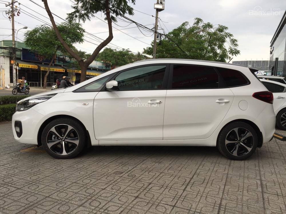 Bán xe Kia Rondo 7 chỗ GMT 2018, màu trắng, giá chỉ 609 triệu, hỗ trợ vay 90%, không chứng minh thu nhập-1
