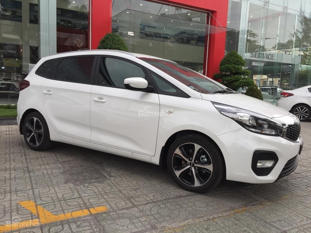 Bán xe Kia Rondo 7 chỗ GMT 2018, màu trắng, giá chỉ 609 triệu, hỗ trợ vay 90%, không chứng minh thu nhập-4