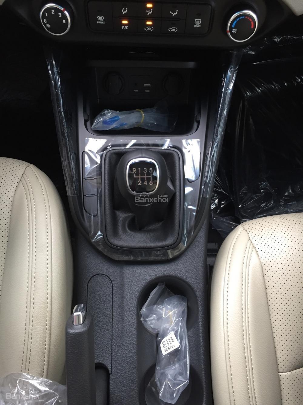 Bán xe Kia Rondo 7 chỗ GMT 2018, màu trắng, giá chỉ 609 triệu, hỗ trợ vay 90%, không chứng minh thu nhập-8