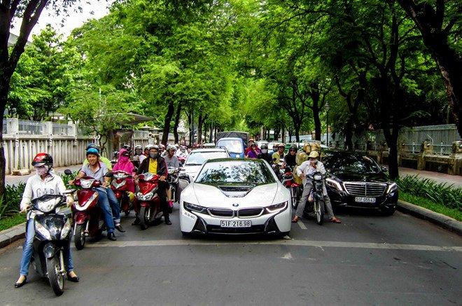 Siêu xe BMW i8 tại Việt Nam có giá bao nhiêu? 1