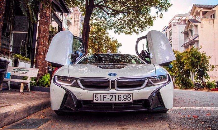 Siêu xe BMW i8 tại Việt Nam có giá bao nhiêu? a2