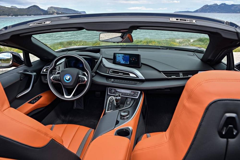 Siêu xe BMW i8 tại Việt Nam có giá bao nhiêu? a15