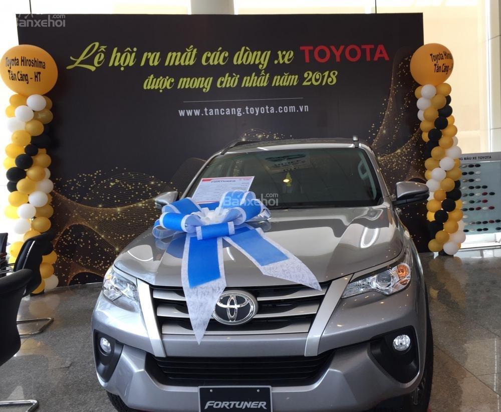 Toyota Tân Cảng bán Fortuner máy dầu số sàn 2020- Mừng Tết Canh Tý bán giá hợp lý- LH 0901923399 (2)