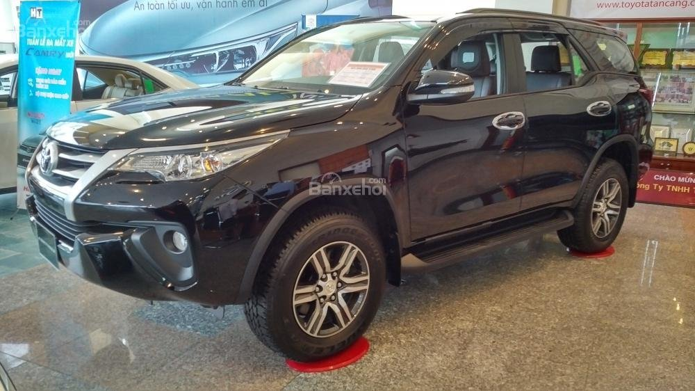 Toyota Fortuner 2.4G số sàn - 998 triệu - Đủ màu - Ưu đãi cực nhiều - Có xe giao ngay - Liên hệ 0902750051-1