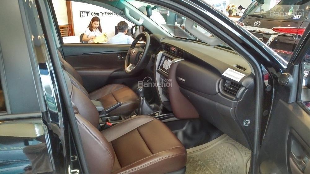 Toyota Fortuner 2.4G số sàn - 998 triệu - Đủ màu - Ưu đãi cực nhiều - Có xe giao ngay - Liên hệ 0902750051-4