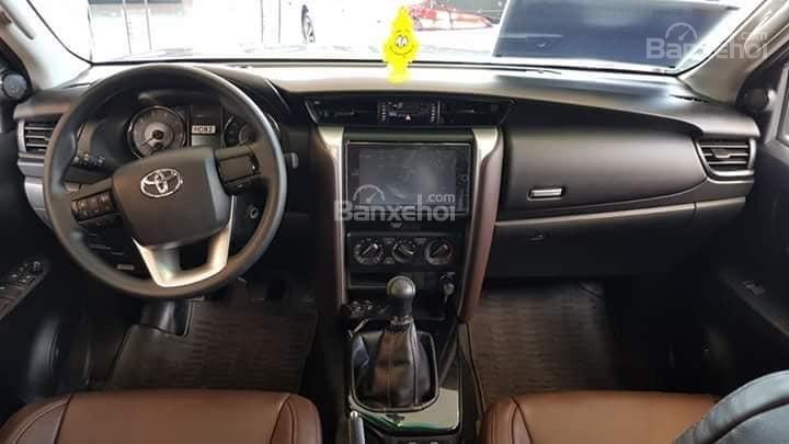 Toyota Tân Cảng bán Fortuner máy dầu số sàn 2020- Mừng Tết Canh Tý bán giá hợp lý- LH 0901923399 (4)