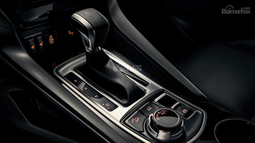 Chi tiết Mitsubishi Pajero Sport 2018 17