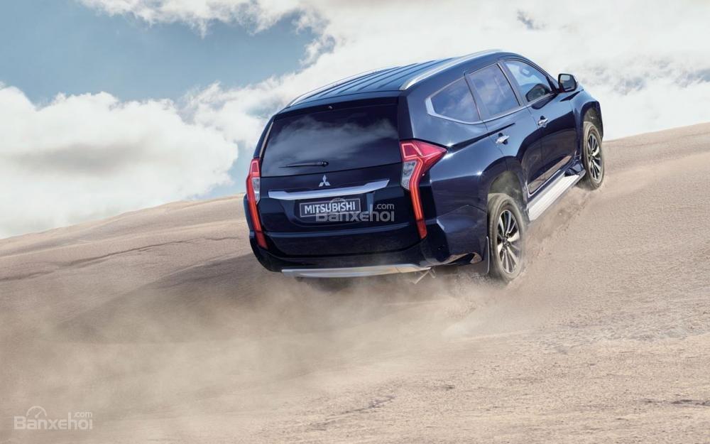 chi tiết Mitsubishi Pajero Sport 2018 2