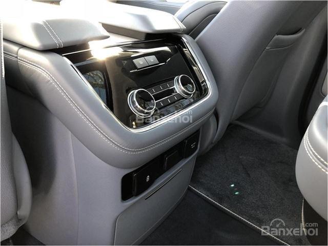 Đánh giá xe Lincoln Navigator 2018 về trang bị tiện nghi 6a