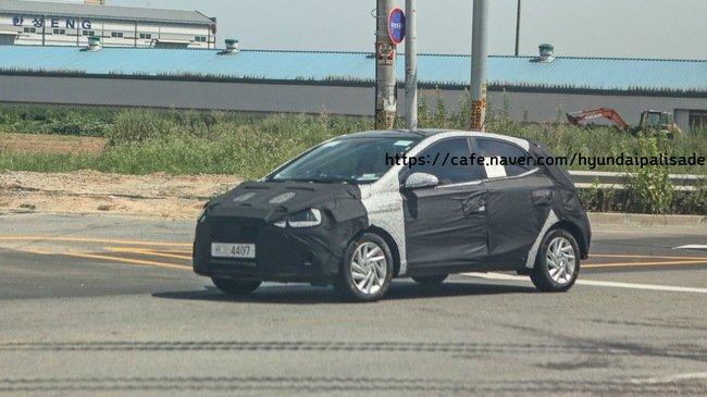 Hyundai Grand i10 phiên bản mới hé lộ ảnh chạy thử.