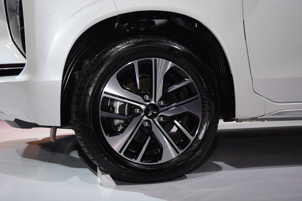 Đánh giá xe Mitsubishi Xpander 2019 1.5 AT: La-zăng đa chấu 16 inch 1