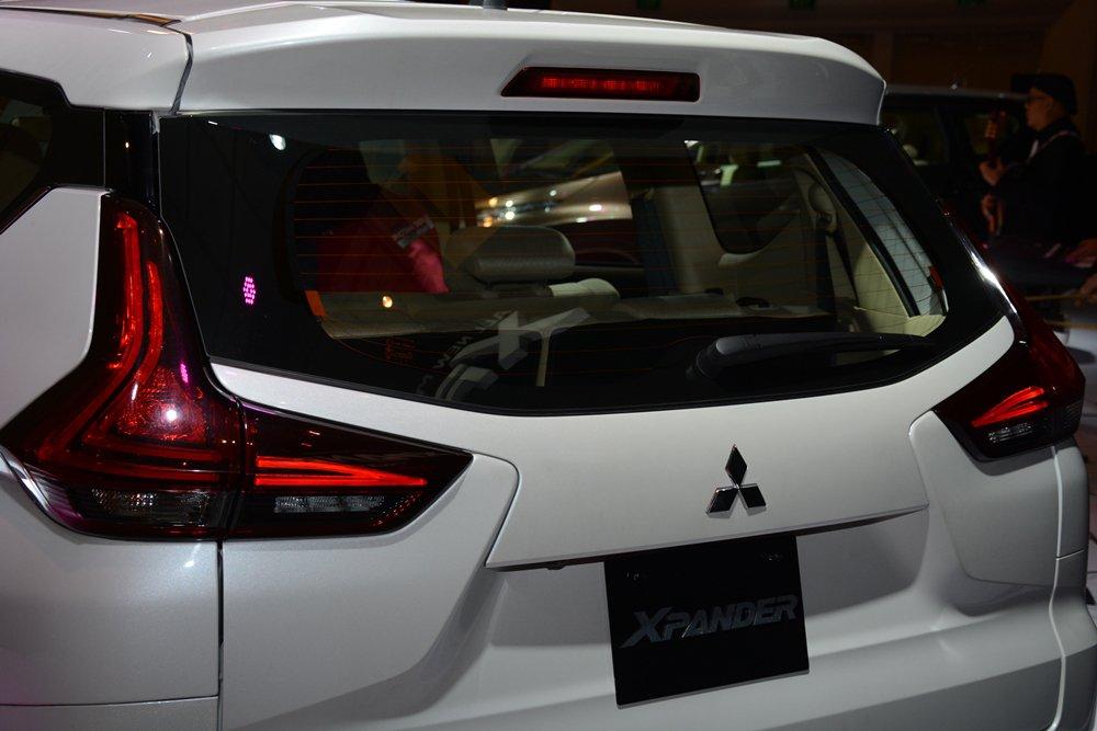 Đánh giá xe Mitsubishi Xpander 2019 1.5 AT: Cụm đèn phanh trên cao 1