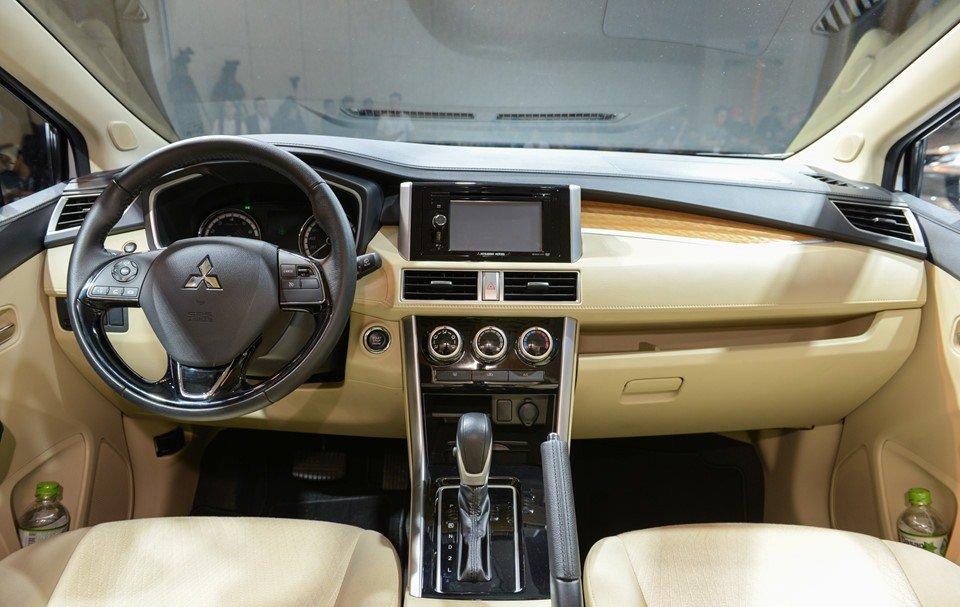 Nội thất của Mitsubishi Xpander 2019 1.5 AT có nhiều điểm giống Outlander 1