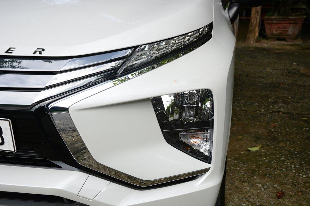 So sánh Mitsubishi Xpander và Toyota Avanza về đầu xe 2