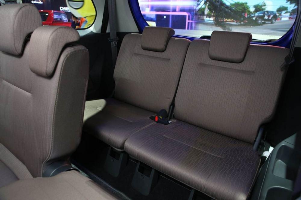 So sánh Mitsubishi Xpander và Toyota Avanza về ghế ngồi 8