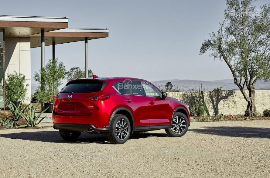 So sánh xe Mazda 6 2.5T và Mazda CX-5 2018: Sedan hay crossover? - Ảnh 8.