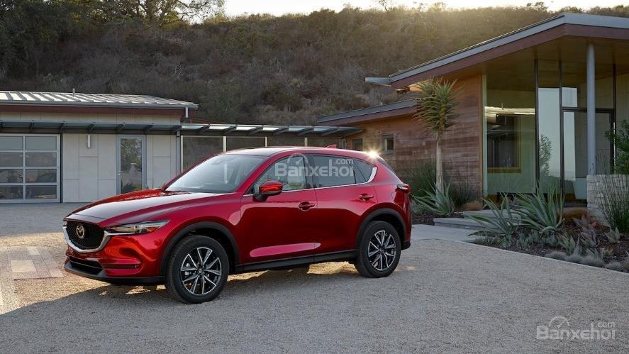So sánh xe Mazda 6 2.5T và Mazda CX-5 2018: Sedan hay crossover? - Ảnh 2.