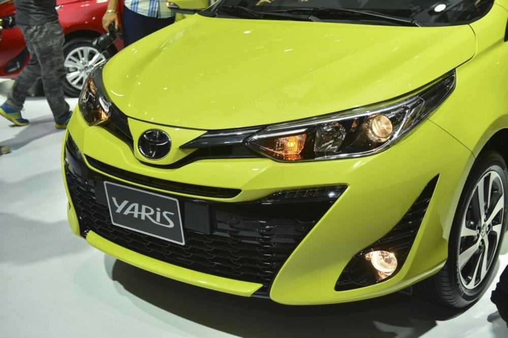 Đánh giá xe Toyota Yaris G 2019: Lưới tản nhiệt hình thang ngược hoàn toàn mới...