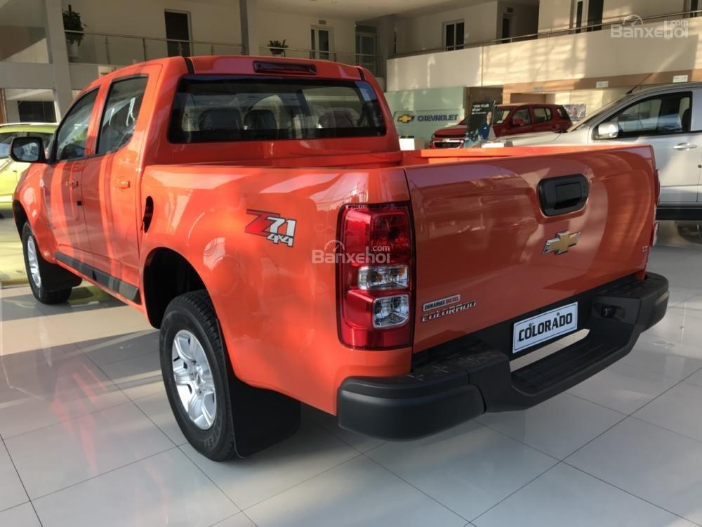 Bán Chevrolet Colorado đời 2018, màu cam, 2 cầu, AT, đầy đủ, KM 30 triệu, hỗ trợ lăn bánh. Vay 90% giá xe-1