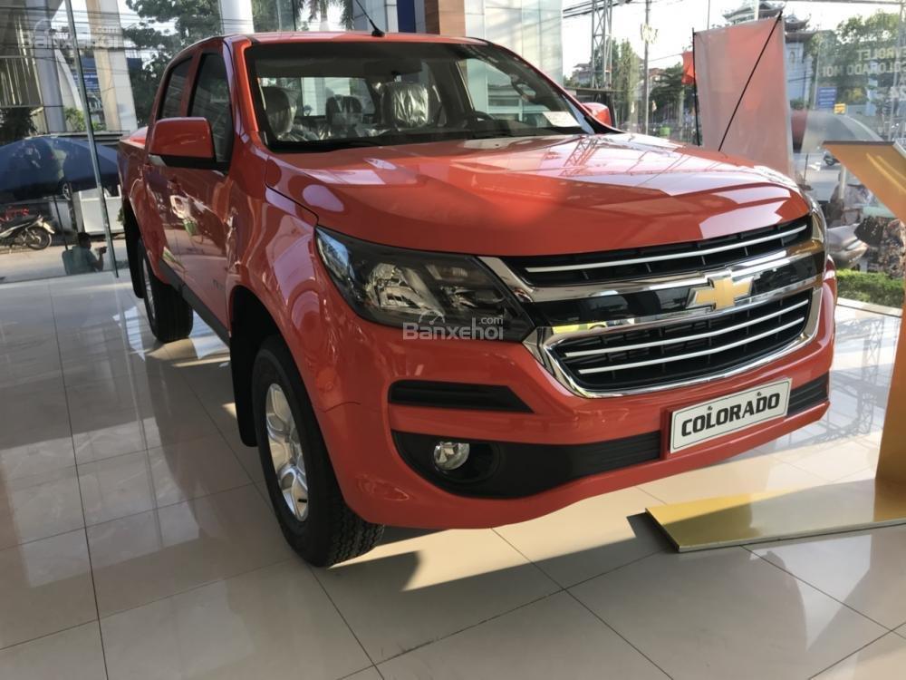 Bán Chevrolet Colorado đời 2018, màu cam, 2 cầu, AT, đầy đủ, KM 30 triệu, hỗ trợ lăn bánh. Vay 90% giá xe-2