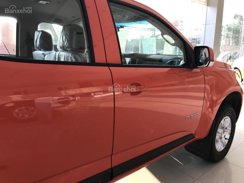 Bán Chevrolet Colorado đời 2018, màu cam, 2 cầu, AT, đầy đủ, KM 30 triệu, hỗ trợ lăn bánh. Vay 90% giá xe-3