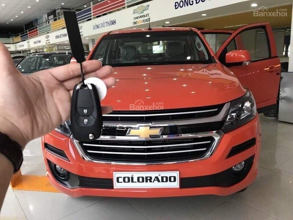 Bán Chevrolet Colorado đời 2018, màu cam, 2 cầu, AT, đầy đủ, KM 30 triệu, hỗ trợ lăn bánh. Vay 90% giá xe-4