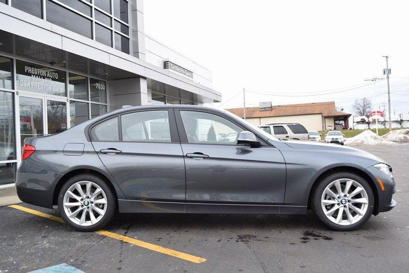 10 mẫu sedan dưới 950 triệu đồng đáng mua nhất: Có BMW 320i và Lexus ES 3.