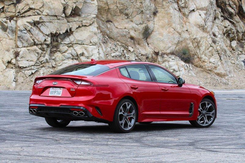 10 mẫu sedan dưới 950 triệu đồng đáng mua nhất: Có BMW 320i và Lexus ES 1.
