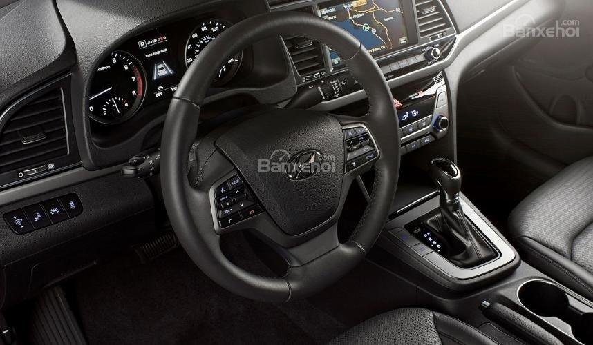 Hyundai Elantra 2019 mới và cũ về nội thất 2a
