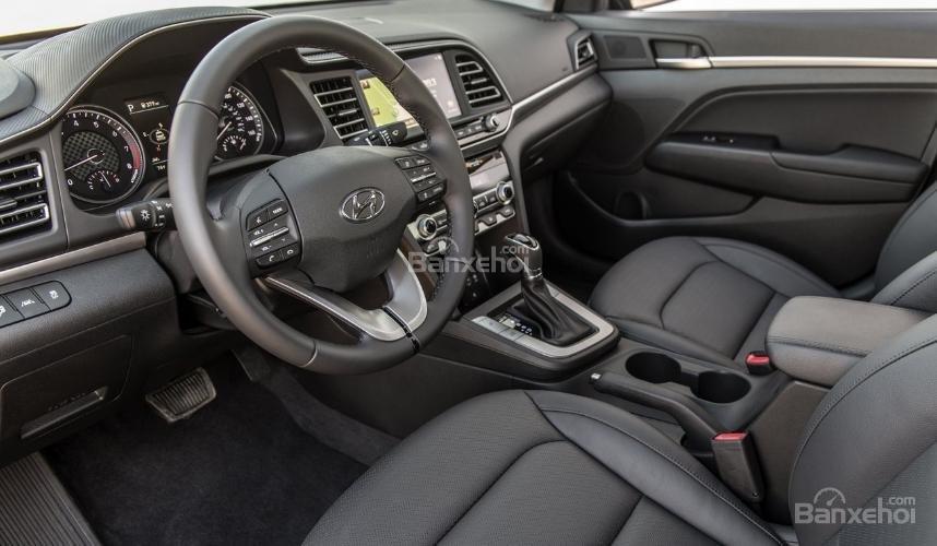 Hyundai Elantra 2019 mới và cũ về nội thất 1a