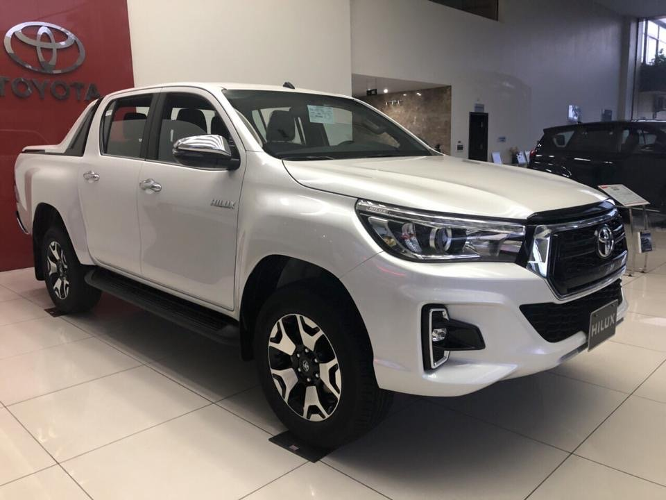 Tư vấn vay mua xe Toyota Hilux trả góp 2018 đầy đủ nhất..