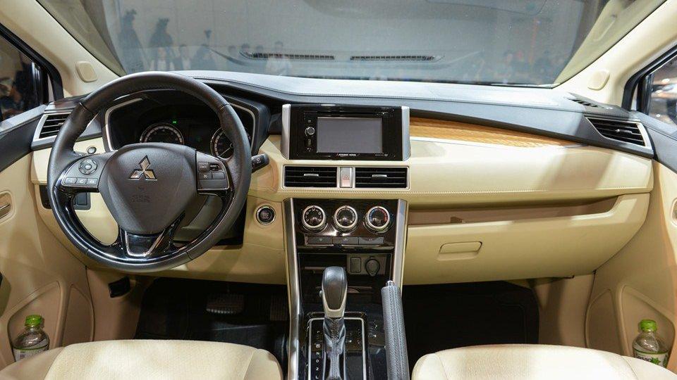 Mua xe gia đình, nên chọn Toyota Innova 2018 hay Mitsubishi Xpander 2018? 9.