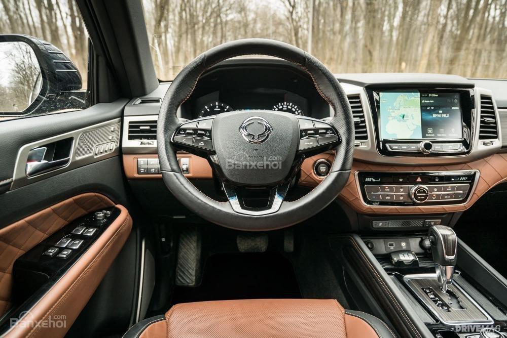 Đánh giá xe SsangYong Rexton 2018 - táp lô - 2